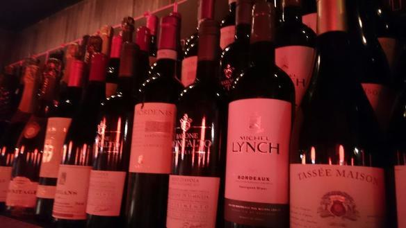 イタリアを中心に各国のワインをお愉しみいただけます!