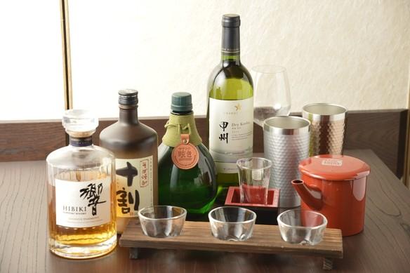 ビール・日本酒(菊正宗の裸樽酒)・焼酎・梅酒・ウイスキー・ワイン等揃えております
