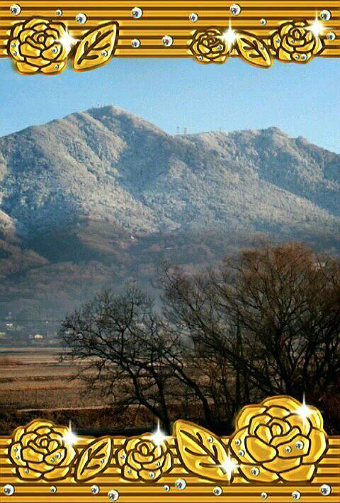 冬の筑波山。この日は半分、雪化粧^^
