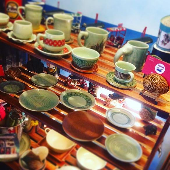 チェンマイ セラトップのセラドン焼きを展示販売