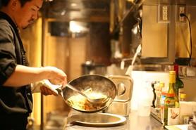 フレンチのシェフが手掛けるエスニック料理