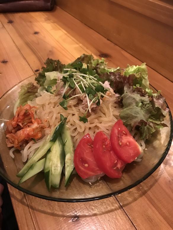 さっぱりサラダ冷麺 麺は盛岡から仕入れました。