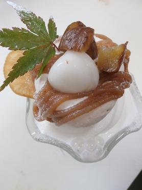 「マロンフェア.2018」 シンプルで食べやすい甘さの モンブランパフェ  ¥800