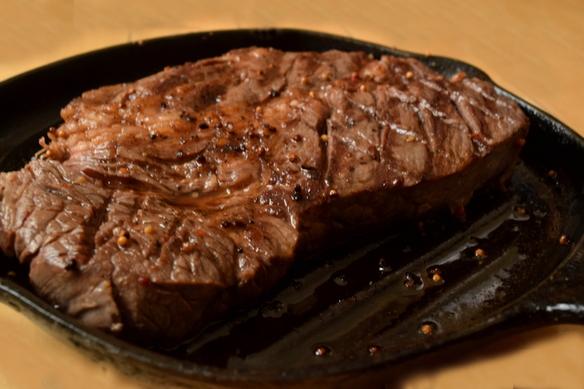 迫力の1ポンド(450g)ステーキ