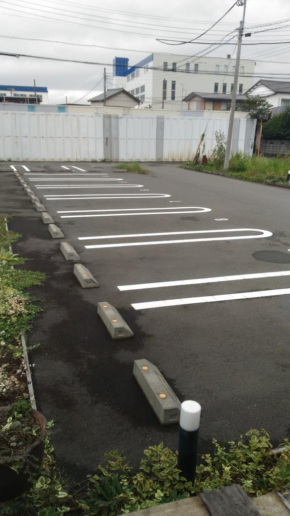 駐車場のスペースに限りがありますので、乗り合わせでのご来店をお願い致します!