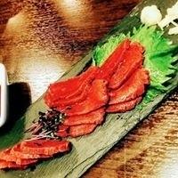 本場九州熊本より直送の馬肉のカルパッチョ!!¥950税込~いろいろな部位を楽しめます!!(仕入れによりご提供できない場合がございます)