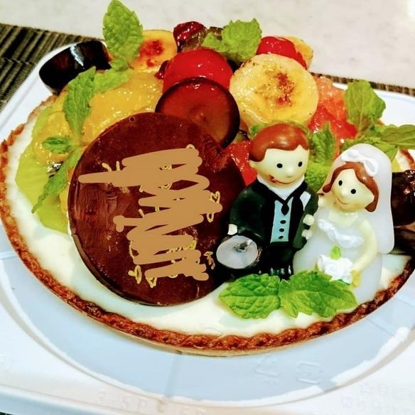 自家製ドルチェ!!ウエディングでご注文を受けた果物たくさんのスフレレアチーズタルトです。