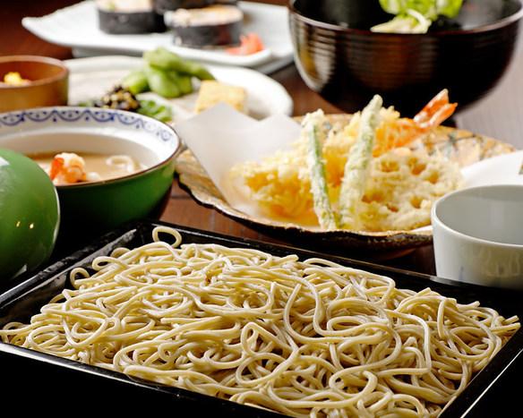 江戸蕎麦と伝統の天ぷら