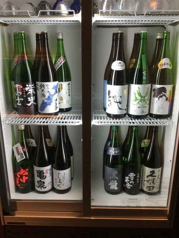 日本酒は常時15種類以上ご用意しております。