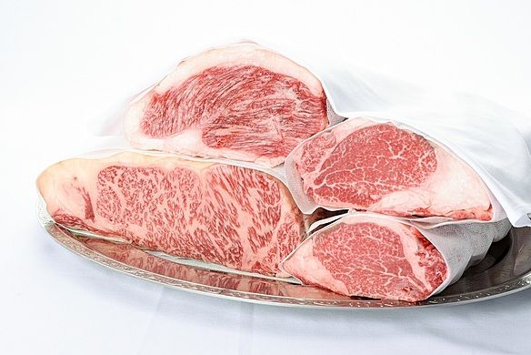 tcc 炉窯炭火焼Steakの写真