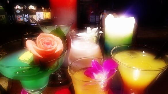 一杯一杯丁寧に作られるoriginal cocktailの数々…