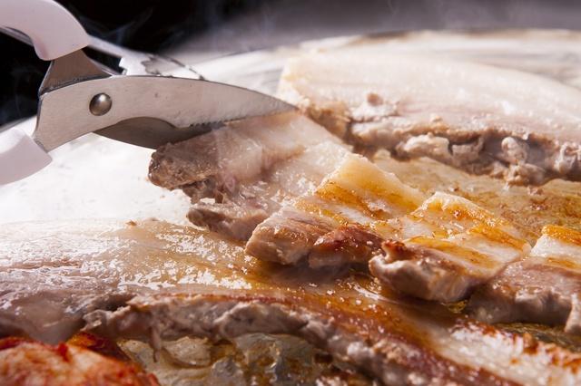 まさかの1,000円台!韓国街「新大久保」のサムギョプサル食べ放題ランチ3選