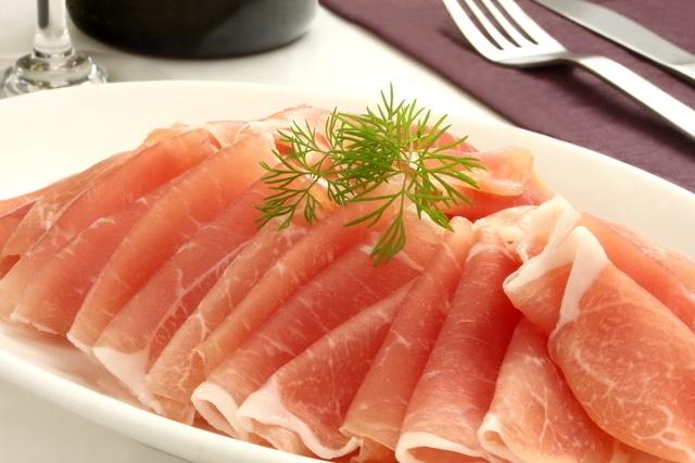 【中延】12月限定で生ハム食べ放題が無料!希少銘柄の日本酒が全品500円で楽しめる『イブシギン』