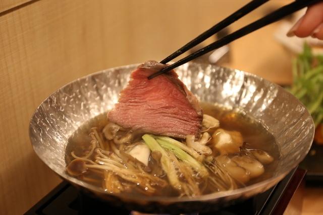 完全会員制の焼肉屋『29ON』が池袋に登場!新感覚「くぐらせ肉」を体験してきた!