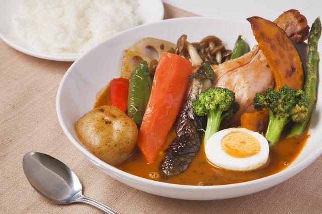 【下北沢】クセになる辛さ!たっぷり野菜!ランチで行きたいスープカレー5選