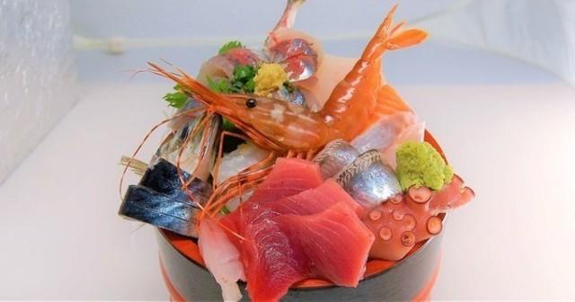 【柏】桶から溢れる刺し盛がすごい!タクシー券GETでお父さんも飲んで楽しめる『タカマル鮮魚店』