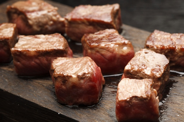 【六本木】極上の赤身肉を心ゆくまで堪能!「肉」に特化したいま行くべき肉ビストロ5選