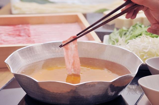烏丸・河原町の忘年会はこの5店!濃厚ウニ鍋や希少部位の焼肉を食べて10万当てよう!