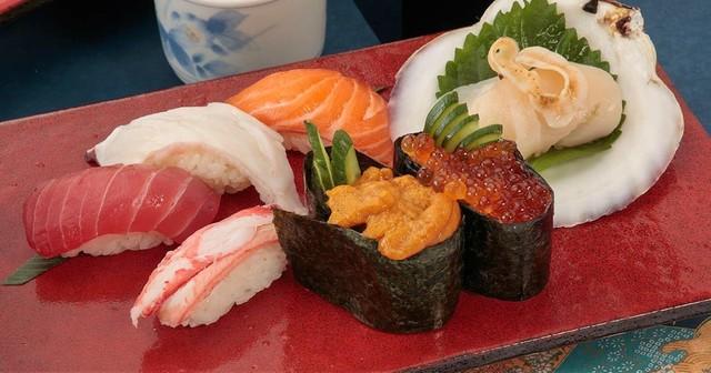 【なんば】職人が握る本格寿司が1貫100円から!全国の新鮮なネタをリーズナブルに楽しめる『すし一郎』