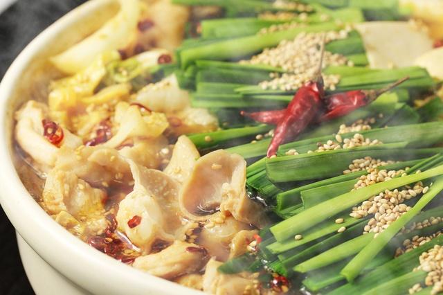 【池袋】スープの味が冴え渡るこだわりのもつ鍋8選 。ニンニクの香りに食欲倍増!
