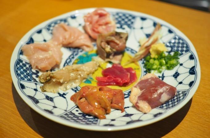 """【福島】新鮮な地鶏でしか味わえない鳥刺しに驚嘆!『鳥しき ひろせ』で""""ブランド地鶏""""を食べ比べ"""