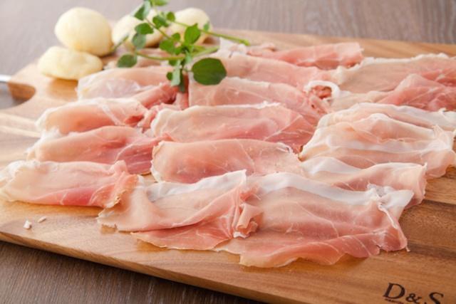 【5日間限定】豚肉専門トラットリアが「生ハム半額」のオープンキャンペーン開催。神楽坂『エノテカ エ マイアーレ レグス』