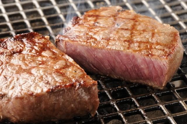 【六本木】400gのリブステーキや厚切りタンも。ガッツリステーキと焼肉を頂くなら『ニクノトリコ』