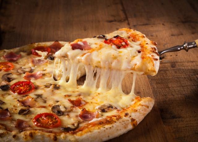 【新宿】ピザ食べ放題5選!ピザもパスタも食べ放題で1,980円!?ピザ20種類が1,480円も!
