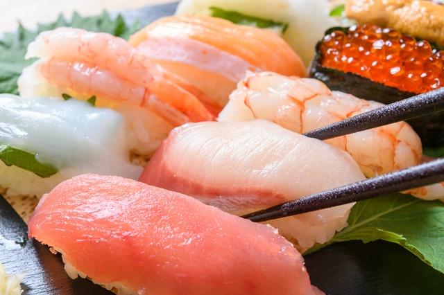 横浜市内の寿司食べ放題5選!市場直送の新鮮で高級なネタから全100種の食べ放題まで!