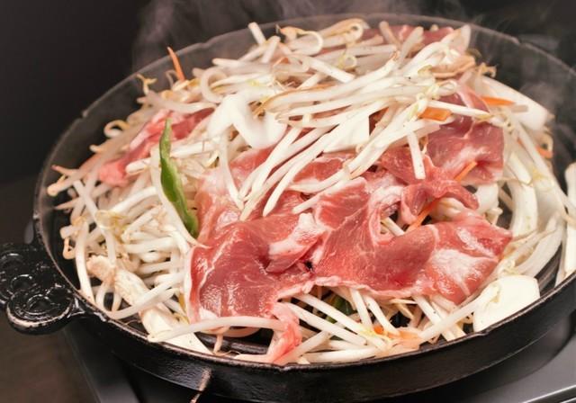 【吉祥寺】臭みのない食べやすいラム肉が自慢!ラムの焼肉に創作料理まで『ジンギス荘 鐡なべ』
