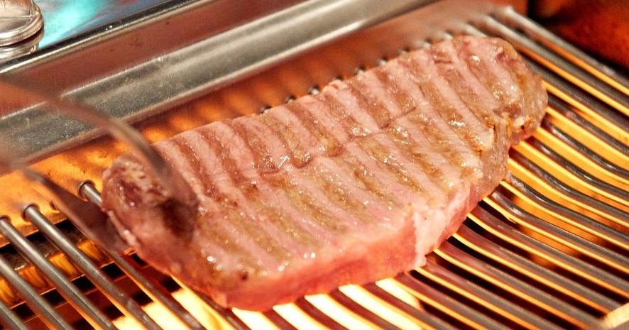 【広尾】目の前でスタッフが仕上げる和牛焼肉!部位ごとに異なる最高の状態とは『お肉屋けいすけ三男坊』