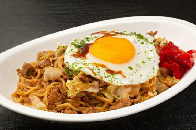 秋田のご当地グルメ「横手やきそば」を東京で食べるならこの7選
