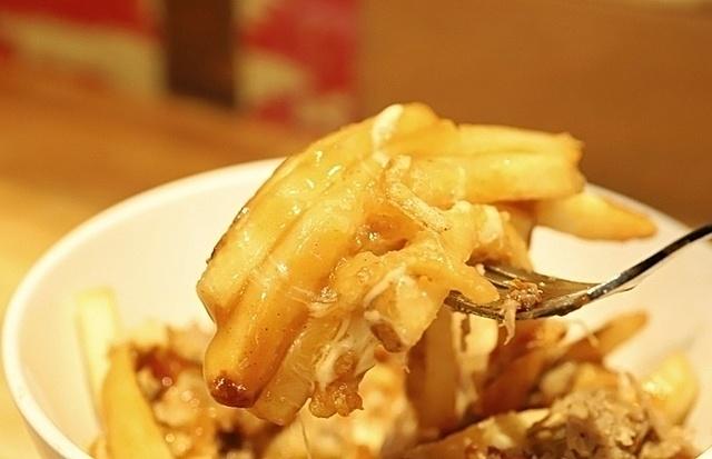 【下北沢】とろ〜りチーズポテトをクラフトビールと一緒に!フライドポテト専門店『Robson Fries』