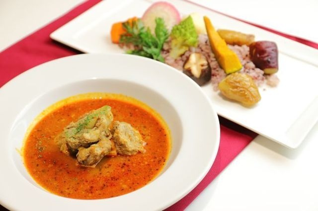 銀座で食べるべきカレー5選!日本カレー史に燦然と輝く老舗の数々は必食