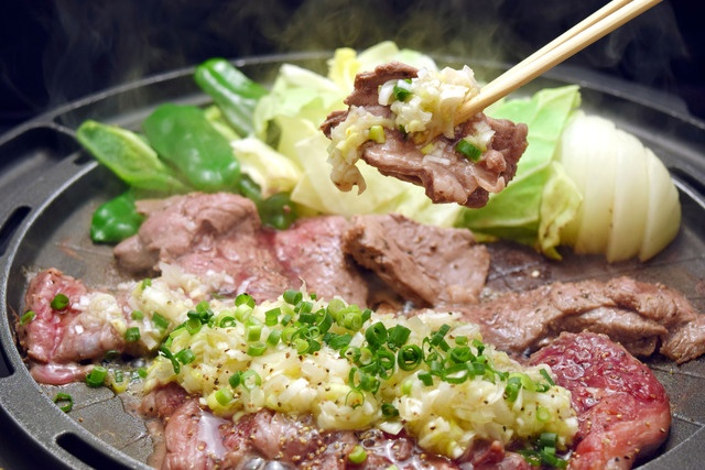 【池袋】ホルモン・餃子・国産牛も!『もつなべきむら屋』の鉄板焼きフェアーに注目
