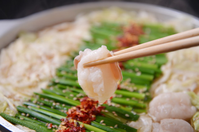 """立川にある居酒屋「みこと」で、もつ鍋やとり天など""""九州の代表グルメ""""を味わおう!長崎のチャポリタンもありますよ!"""