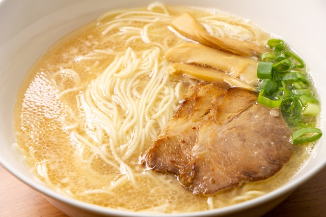 神保町で食べるべきとんこつラーメン5選!500円の博多とんこつにトリプルスープも!