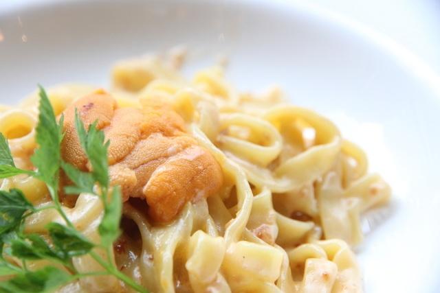 銀座で食べたいパスタ11選!チーズ丸ごとに濃厚ウニたらこパスタも!
