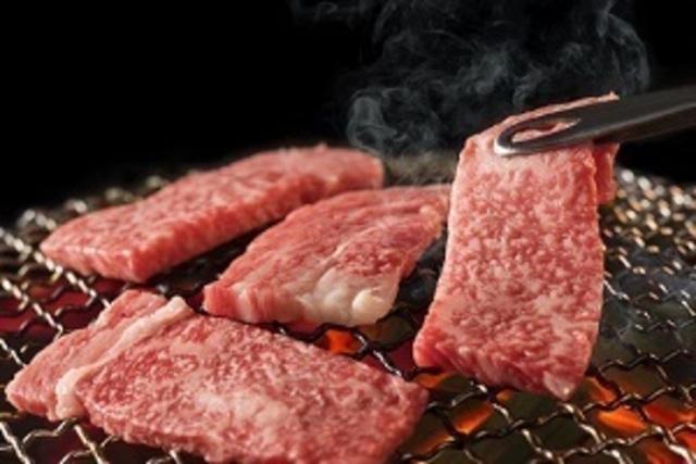 新宿駅周辺で焼肉デートならこの8店!カップルシートや記念日コースで和牛を満喫!