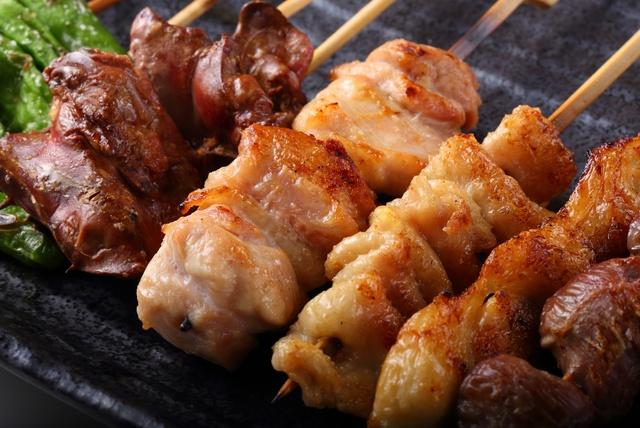 """オーダー率90%の""""王様レバー""""は1串で2羽分のレバーを使う贅沢っぷり!「すみれ 浦和店」でコスパ最強な焼き鳥を食べよう!"""