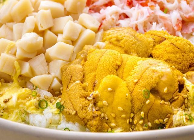 ウニ鍋にカレー鍋も!!まだ寒いうちに食べたい東京都内の変わり種鍋9選