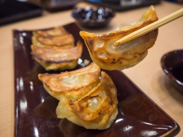 【東京】ラーメン屋の餃子がウマすぎる!肉汁溢れる餃子が食べられるラーメン店5選