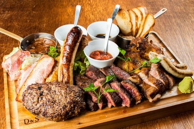 """総""""肉""""重量1kgオーバー!これが本当の""""肉""""盛りだ!Gottie's BEEFが贈る4年に1度の「29プレミアムイベント」が凄いぞ!"""