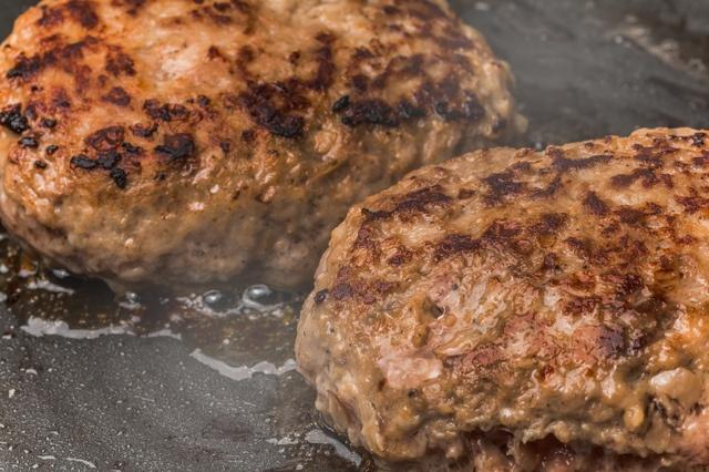 熟成牛の旨味が口の中で暴れだす!東京の熟成肉ハンバーグ6選