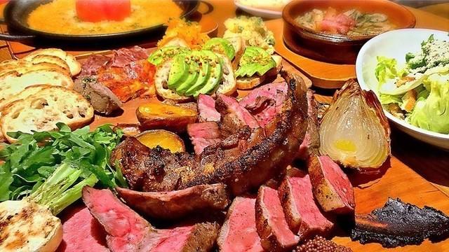 表参道駅周辺の肉推しバル10選!メガ盛りイベリコ豚のグリルに炭火焼きステーキも!