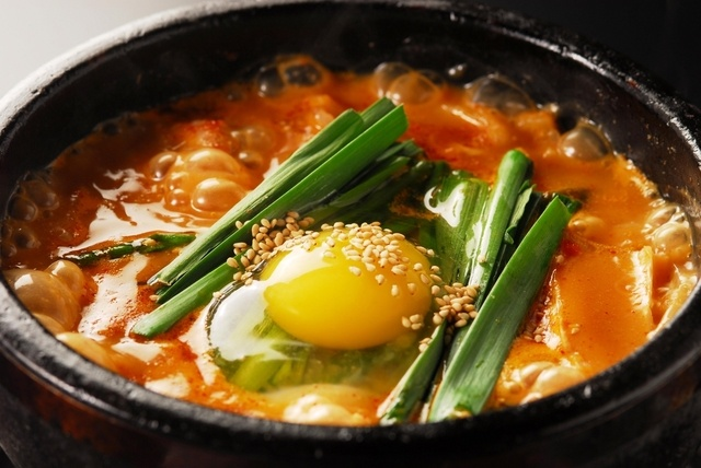 お肉・魚介と唐辛子の相性が抜群!新宿駅周辺で本格的なチゲ鍋が食べられるお店4選