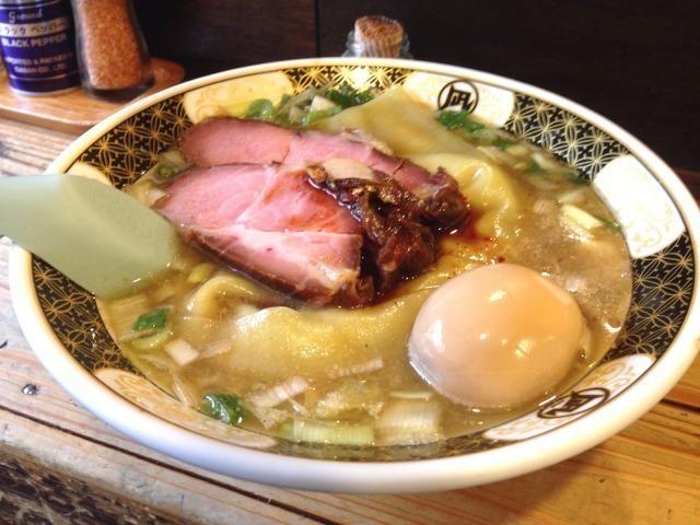 新宿歌舞伎町で朝まで営業しているラーメン店6選!濃厚煮干しや辛党必食のラーメンも