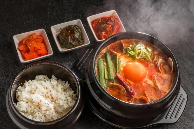 芯から温まる!恵比寿駅の熱々ピリ辛チゲ鍋3選
