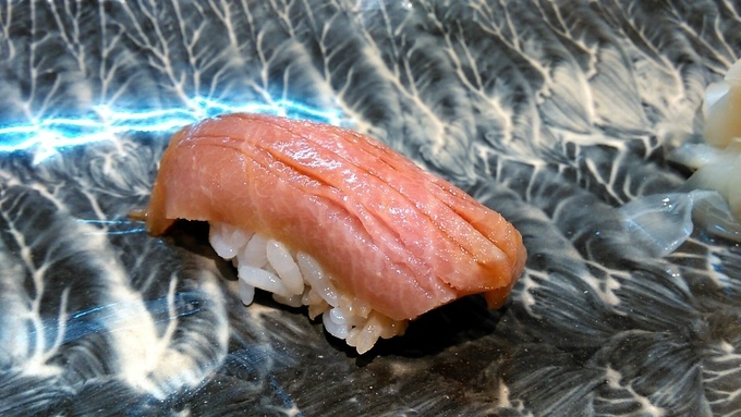 熟成は肉だけじゃない!寿司ネタを熟成させる「熟成寿司」が密かに話題。亀有の『寿司 優雅』の「熟成寿司コース」を体験してきた!
