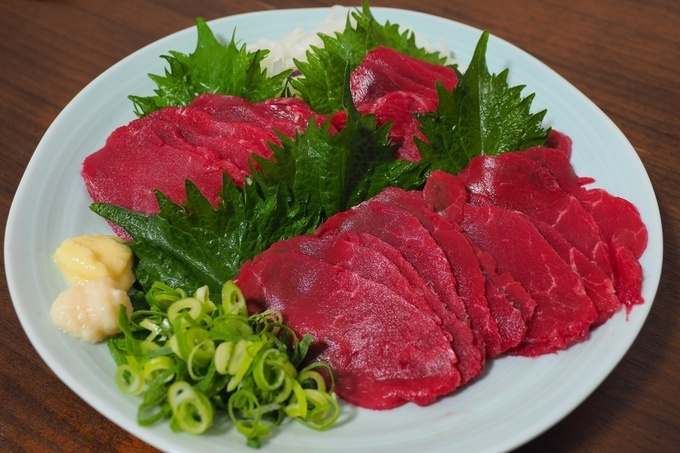 東京で馬肉を食べたい!馬刺しに馬肉の焼肉まで食べられる東京のお店5選